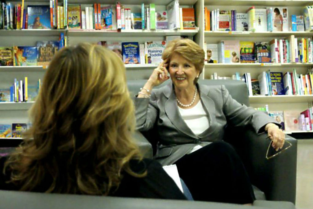 Fannie Flagg anecdote - Kelly interviewing Fannie photo by Wil Elrick